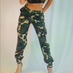 Pants - Mid/ high waster army pants